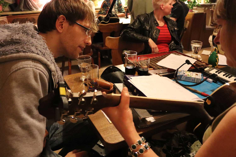 Acoustic Jam Session im Magdeburger Hof, Roßlau. Foto: J. Bischoff